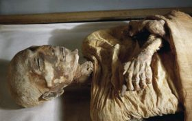 Emperor Trivia:The only emperor who was made into a mummy in Chinese history